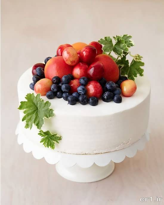 تزیین زیبا کیک با میوه
