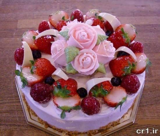 تزیین زیبا و خاص کیک با میوه