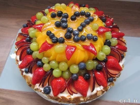 تزیین کیک با میوه های رنگارنگ