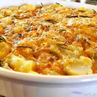 طرز تهیه سیب زمینی با پنیر پیتزا