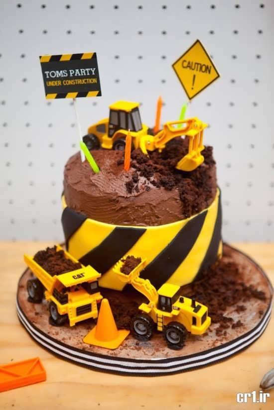 تزیین کیک با رنگ های مشکی و زرد