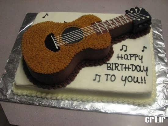 تزیین کیک تولد پسرانه به شکل گیتار