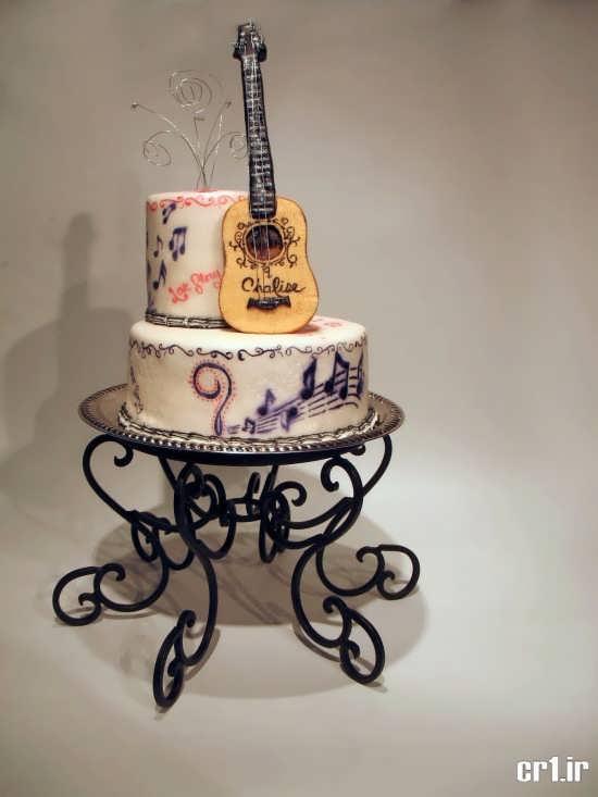 تزیین کیک تولد دو طبقه