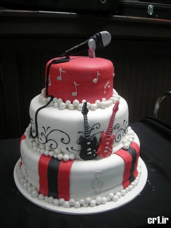 تزیین کیک تولد سه طبقه