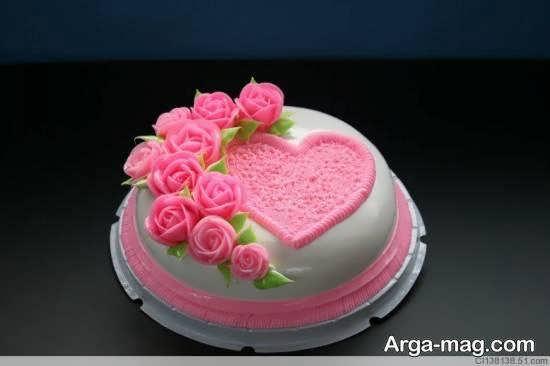 شکل دادن به کیک