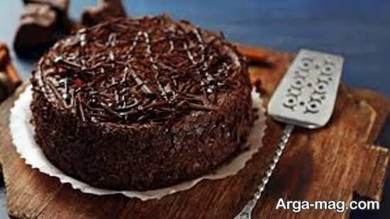 تزیین کیک خانگی شکلاتی