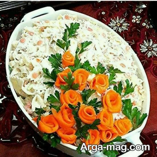 تزینات بسیار جالب با هویج بر روی سالاد ماکارونی