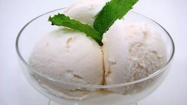 طرز تهیه بستنی سنتی خانگی
